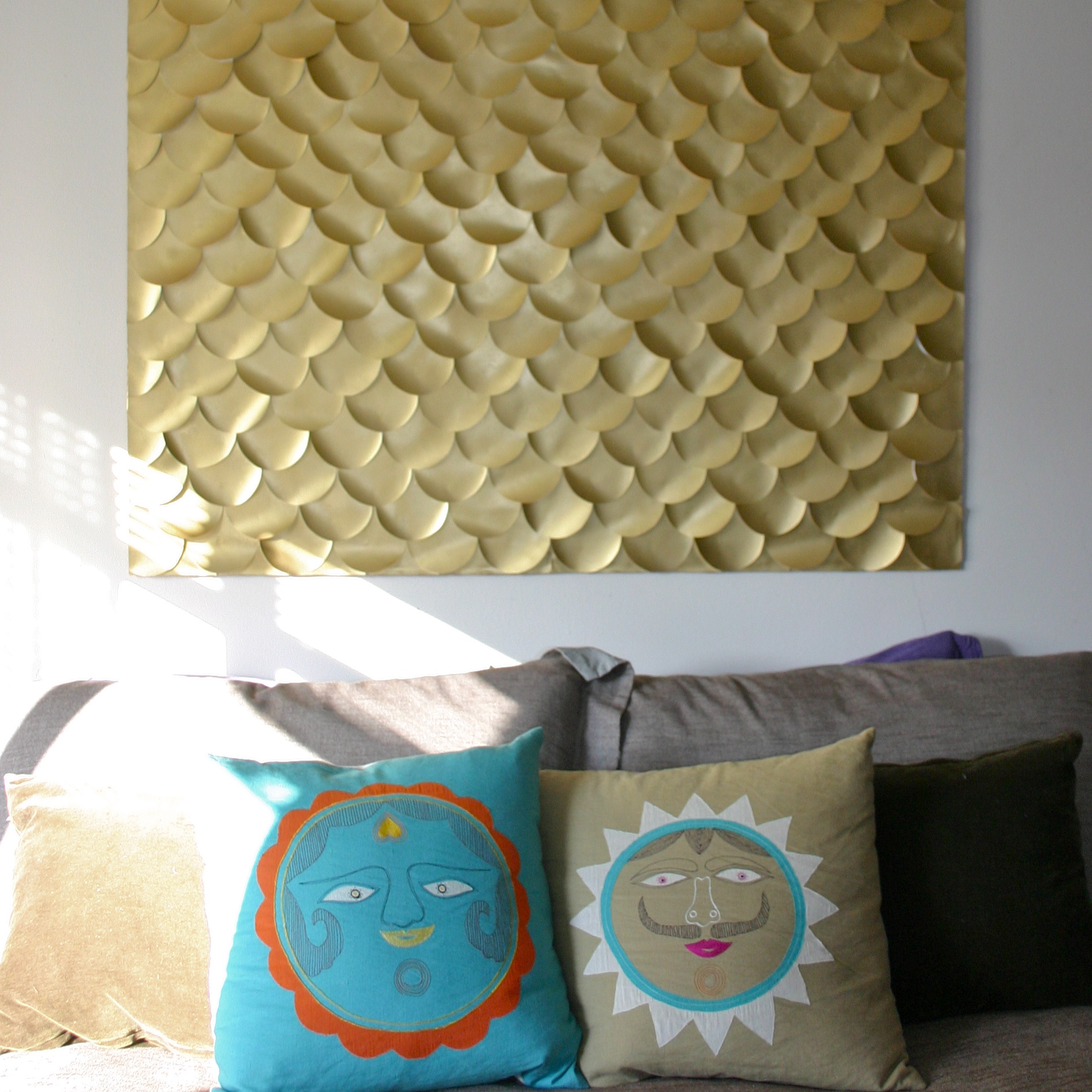 Diy fish scale wall art bang bang for Fish wall decor